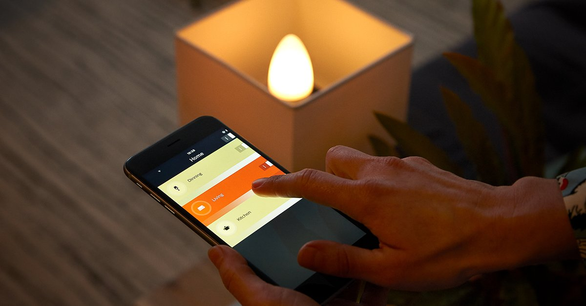 philips hue wird romantisch neue e14 kerzenlampen. Black Bedroom Furniture Sets. Home Design Ideas