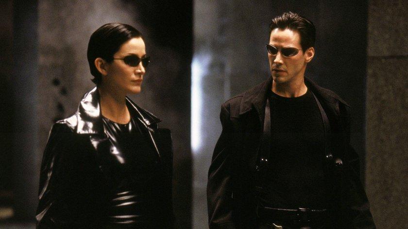 """""""Matrix 4"""": Zahlreiche Teaser zeigen Keanu Reeves' neuen Neo in der Sci-Fi-Fortsetzung"""