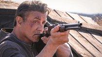 Blutiges Bild: Sylvester Stallone muss in neuem Superhelden-Film leiden