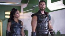 """Neues """"Thor 4""""-Foto von Chris Hemsworth: MCU-Star veralbert clever seine Marvel-Kollegen"""