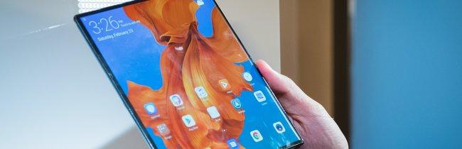 Huawei Mate X in Bildern: Faltbares Smartphone im Detail betrachtet