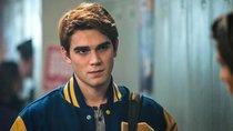 """Covid-Thriller: """"Riverdale""""-Star im ersten, umstrittenen Spielfilm über das Corona-Virus [Trailer]"""