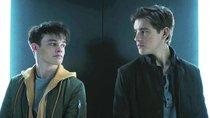 """Titans"": Soll Robin leben oder sterben? Serie lässt euch entscheiden"