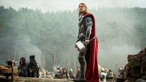 """""""Thor 4"""": Fans lachen über neues Bild des MCU-Stars – und sogar sein Bruder macht mit"""