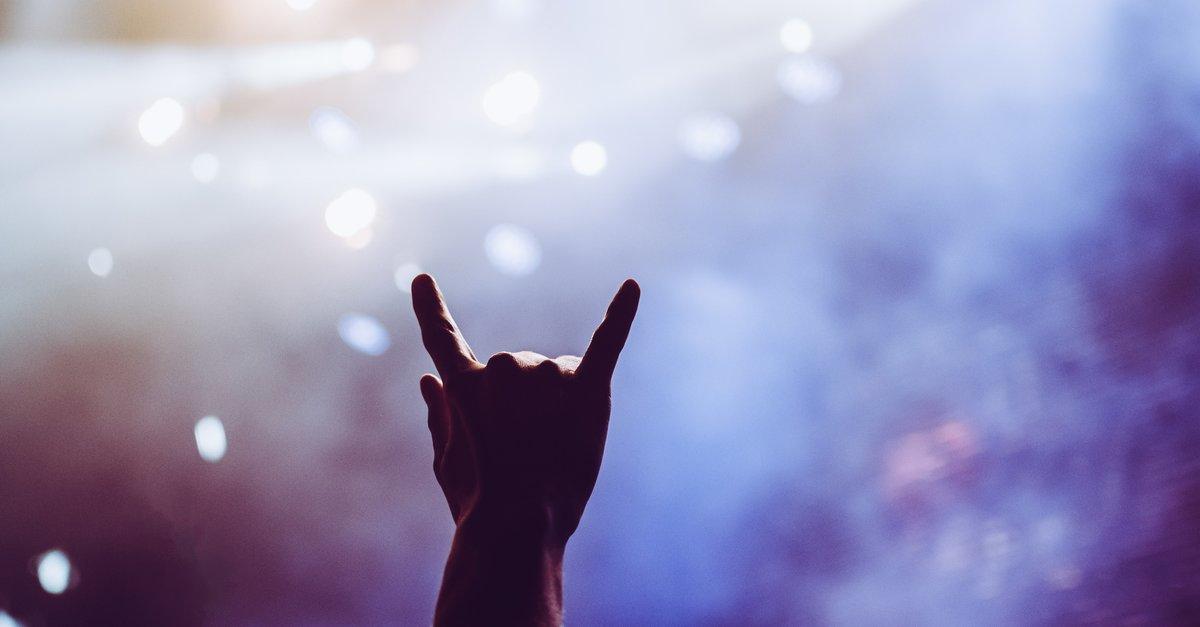 """落 : Was bedeutet das """"Zeigefinger und kleiner Finger-Symbol?"""