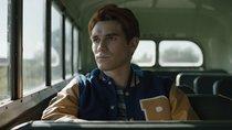 """""""Riverdale""""-Star verrät: Nach dem Zeitsprung ist ein Fanliebling """"quasi obdachlos"""""""