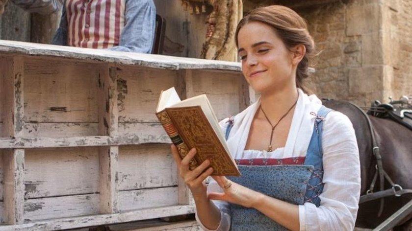 Trotz Corona-Isolation: Disney-Star überrascht mit Lese-Aktion Familien in Quarantäne