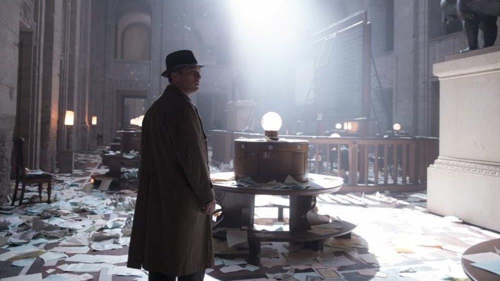 "Babylon Berlin"" Staffel 3 Erster Trailer zeigt mysteriösen Serienkiller Sebastian Werner"