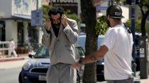 """Diese schrägen Szenen aus """"Borat 2"""" sind echt – und diese nicht"""
