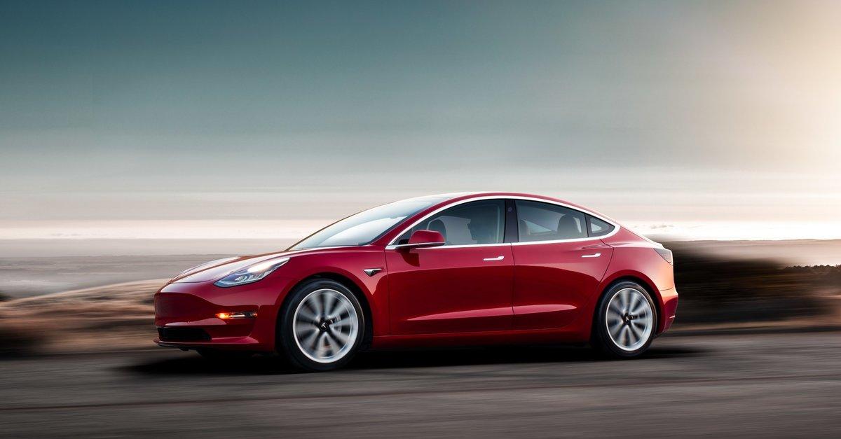 Tesla legt Model 3 auf Eis: Ist Samsung Schuld?