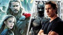"""Christian Bales Aussehen in """"Thor 4"""" enthüllt: MCU-Neuzugang auf ersten Bildern deutlich verändert"""