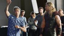 """Chaos am Flughafen: Darum hätte der """"Thor 3""""-Regisseur den Marvel-Film fast verpasst"""