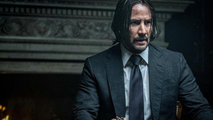 """Horror-Neuzugang für """"John Wick 4"""": Lehrt der """"Es""""-Star jetzt Keanu Reeves das Fürchten?"""